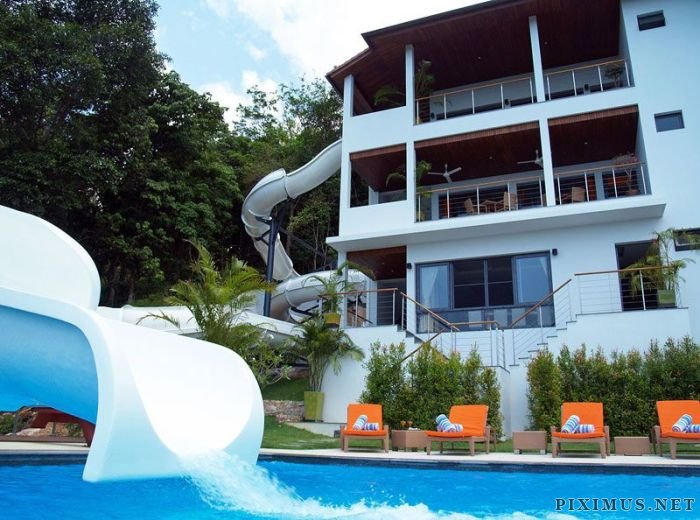 House With Double Loop Water Slide