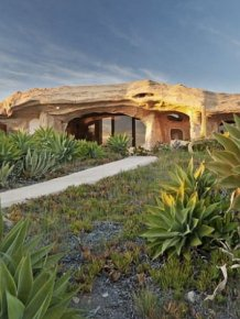 Dick Clark Is Selling His Flintstones House
