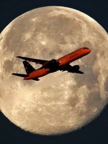 Beautiful Aircraft Photography in Front of the Sun and Moon