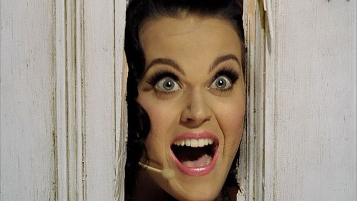 The Internet Is Having A Blast With This Picture Of Katy Perry Bending Over