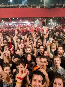 This Was The Eagles Of Death Metal Concert Minutes Before The Paris Attacks