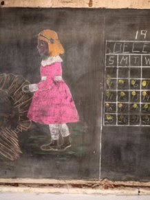 Teachers Find 100 Year Old Writing On An Oklahoma City Blackboard