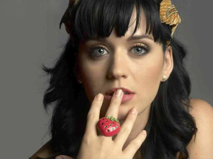 Photographic Proof That Katy Perry Still Looks Hot Without Makeup