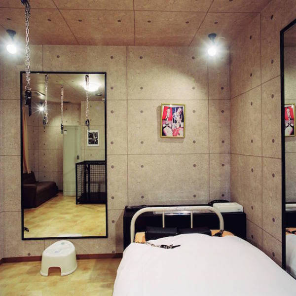 Japanese Fetish Rooms That You Can Rent By The Hour