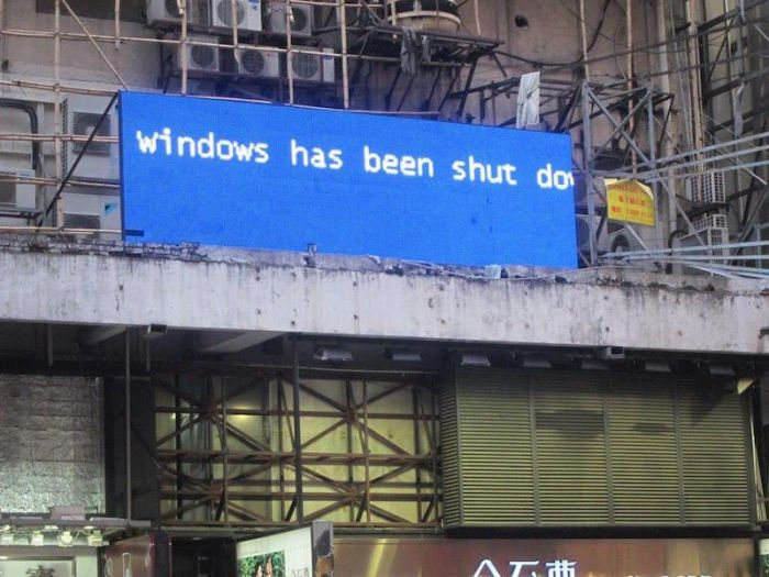 Those Awkward Moments When You Encounter The Blue Screen Of Death