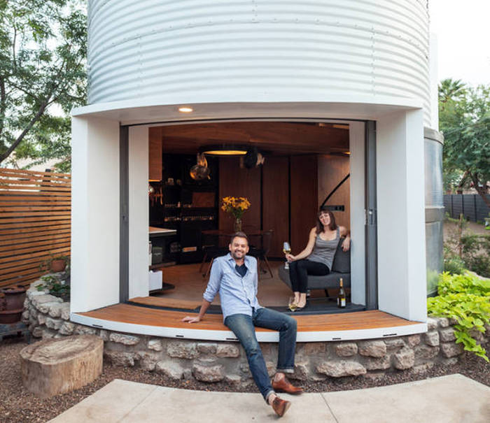Crafty Architect Turns A 1955 Grain Solo Into A Classy Home