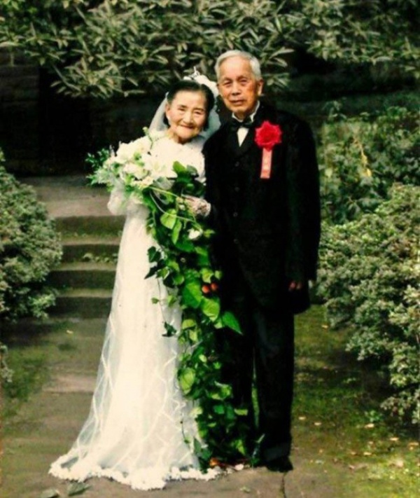 70 Years Later This Couple Recreated Their Wedding Day