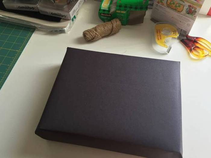 Creative Guy Shows The World How To Spice Up Their Gift Wrapping
