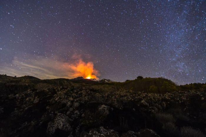 Mount Etna Shoots Lava 1KM Up During Massive Eruption