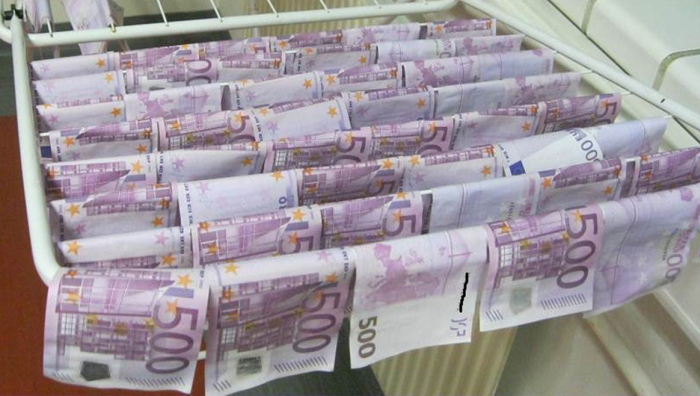 Two Lucky Men Found 100,000 Euros In The Danube River