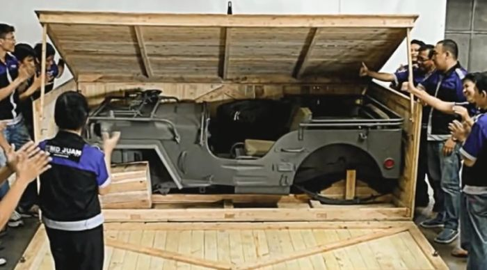Military Jeeps For Sale >> These People Found A Jeep In A Crate | Vehicles