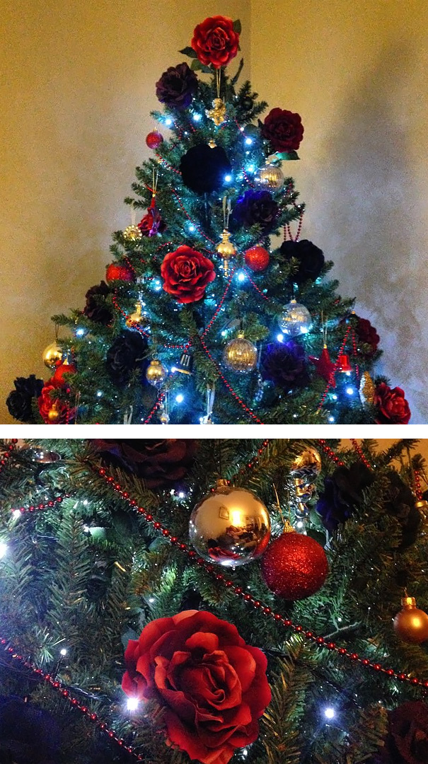 People Are Making Their Christmas Trees Beautiful By Using Flowers