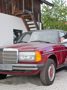 This 30 Year Old Mercedes-Benz Is In Near Perfect Condition