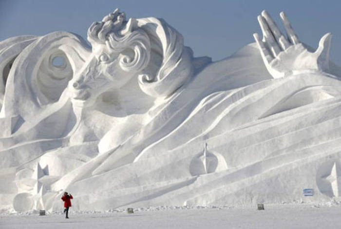 Your Mind Is About To Be Blown By These Impressive Snow Sculptures