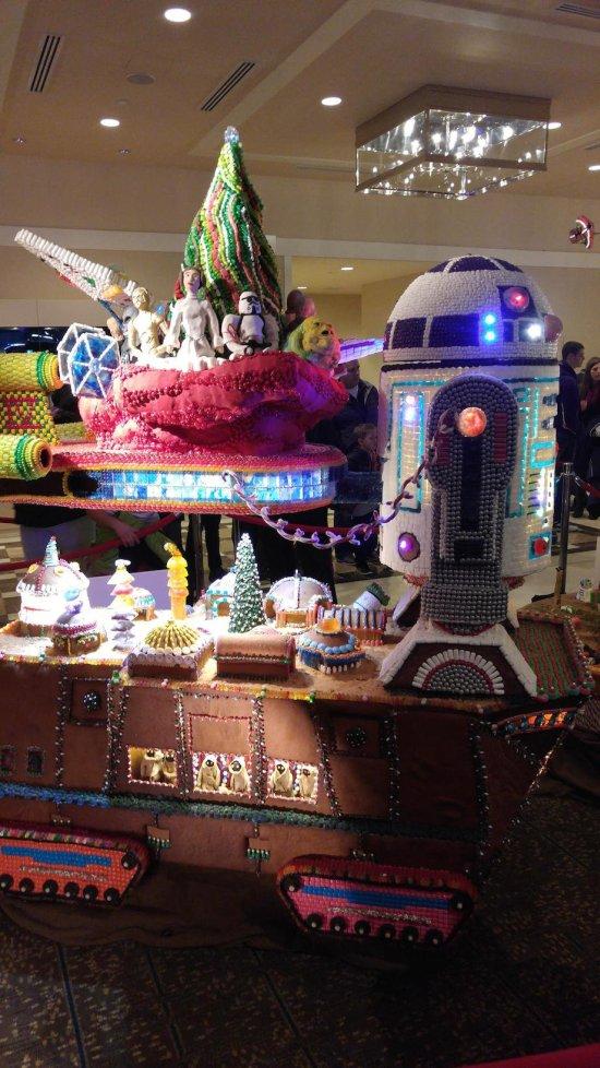 Star Wars Gingerbread Houses From A Galaxy Far, Far Away