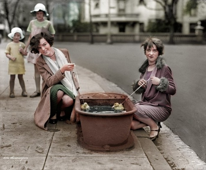 Vintage Photos Get A Full Color Makeover