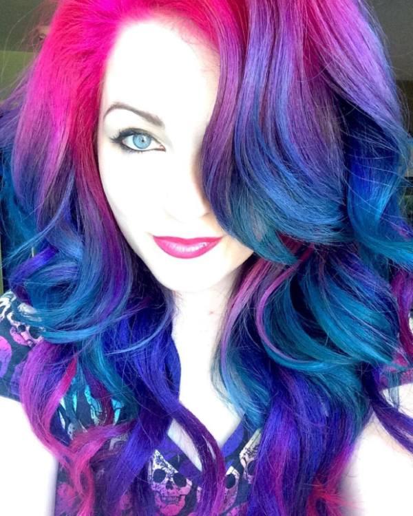Hairstylist Takes You Behind The Scenes Of Social Media Selfies