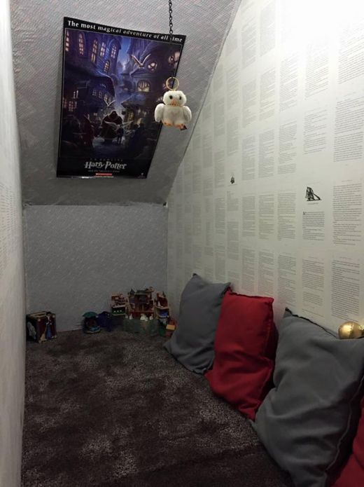 Mom Transforms Room Under The Stairs Into A Harry Potter Hideaway