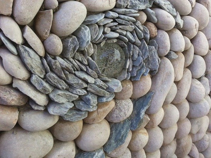 It's Amazing What Some People Can Create With Simple Stones