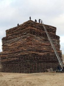 Two Teams Tried To Create The Largest Bonfire In The Netherlands On New Year's Eve