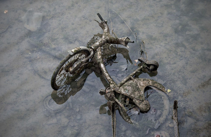 Some Interesting Things Were Recently Found In The Canal Saint Martin
