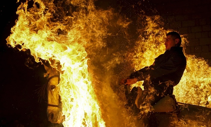Las Luminarias: a Spanish Festival Of Fire And Horses