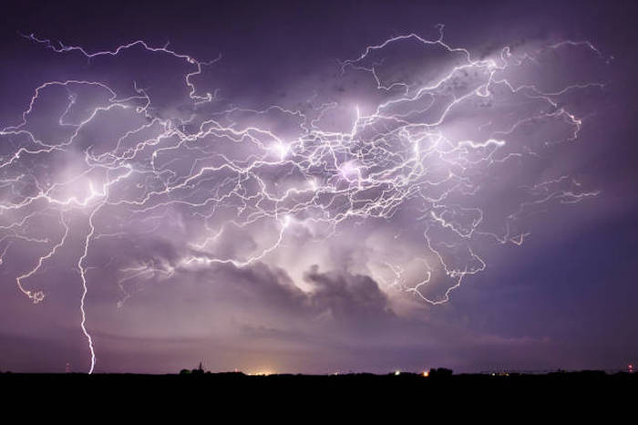Enjoy The Beauty Of Nature With These Stunning Storm Photographs