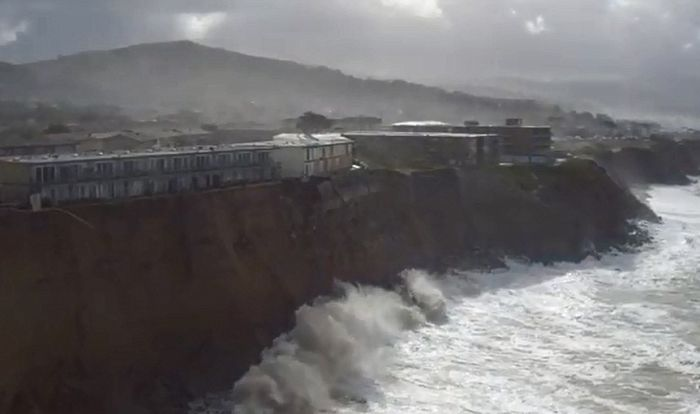 Residents Are Evacuating Because The Coast Of California Is Crumbling