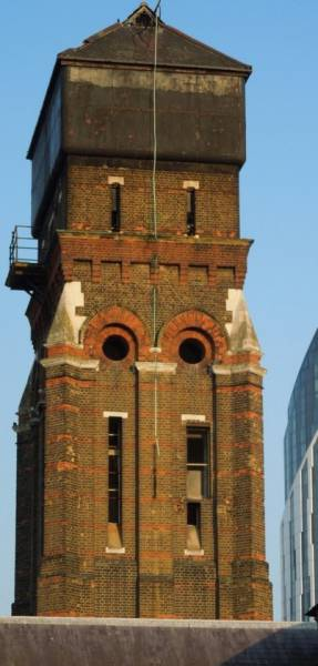 Old School Water Tower Gets An Incredible Modern Makeover