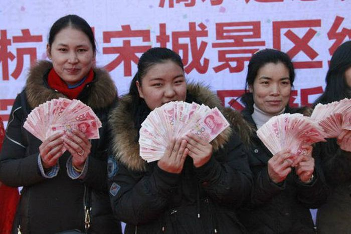 Tourists In China Get The Opportunity Of A Lifetime