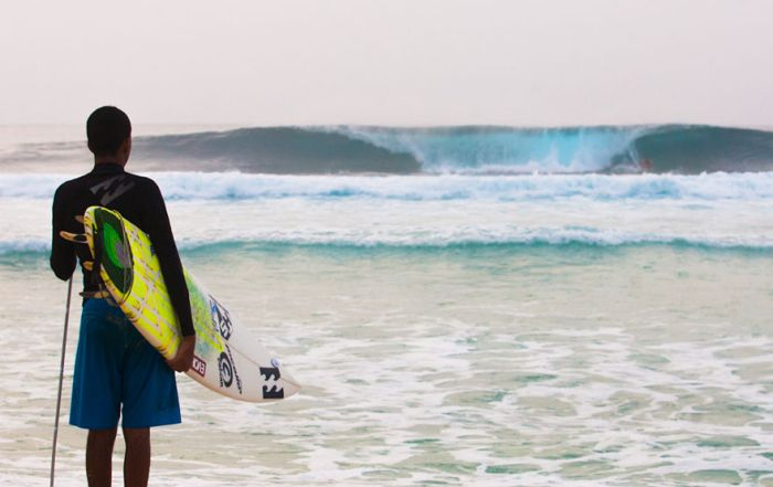 A Blind Man Became A Professional Surfer By Listening To The Ocean