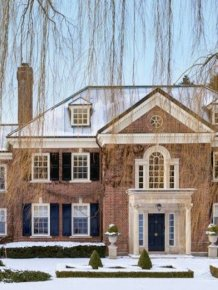 A White Collar Criminal Is Selling His Gigantic Canadian Mansion