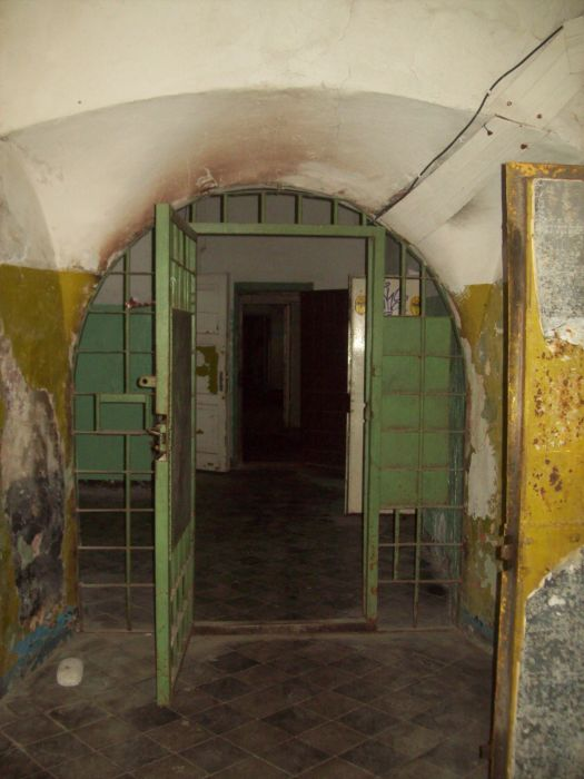 This Abandoned Prison In Estonia Is Terrifying