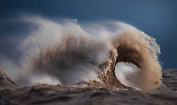 Breaking Waves Create The Most Beautiful Photos