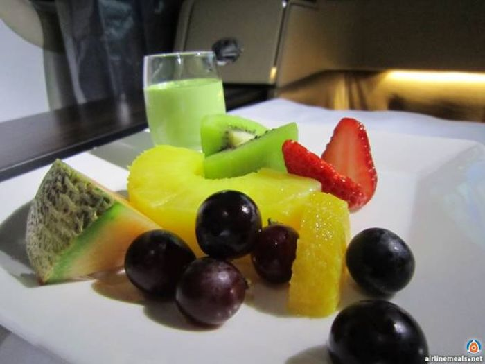 People Who Fly First Class Get To Eat The Most Delicious Meals