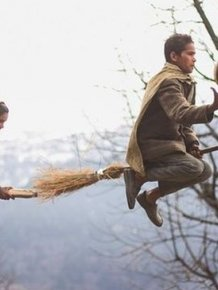 Teacher Sets Up Amazing Quidditch Photoshoot For His Students
