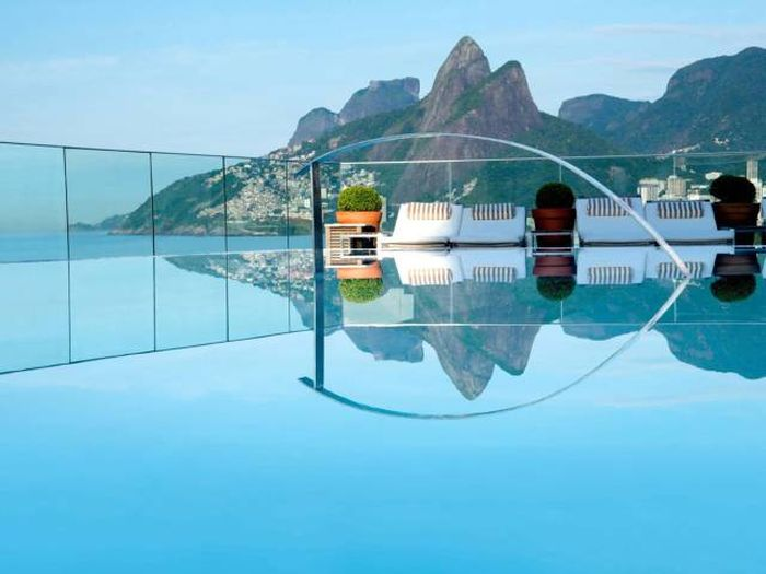 Beautiful Swimming Pools That Will Take Your Breath Away