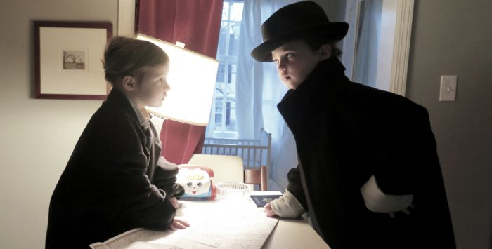 Mom And Daughters Recreate Scenes From This Year's Oscar Nominated Movies