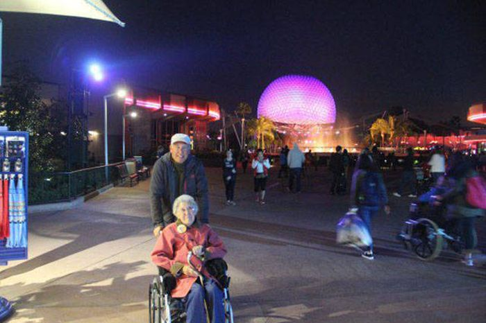 90 Year Woman Goes On An Epic Trip After Being Diagnosed With Cancer