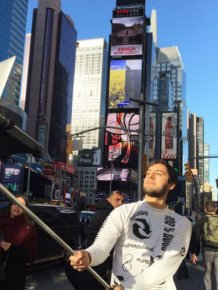 New Selfie Stick Allows You To Take A Selfie With Your MacBook