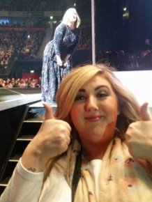 An Adele Fan Tried To Get A Picture Of The Singer But Instead She Got Photobombed