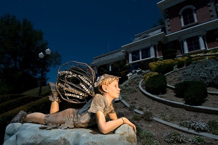 Four Friends Broke Into Micheal Jackson's Neverland Ranch And This Is What They Found