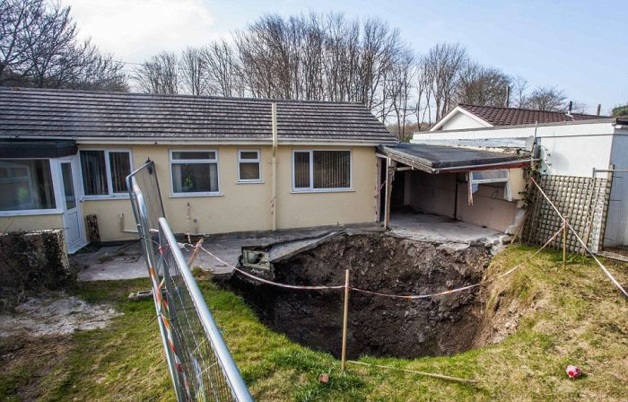 Giant Sinkhole Opens Up Right Next To A House In England