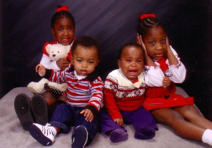 Kids Who Completely Ruined A Nice Family Portrait