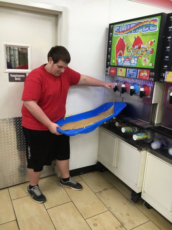 People Who Stepped Up And Nailed It On 7-Eleven's Bring Your Own Cup Day