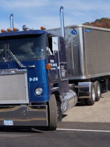 "American truck ""Mack"""