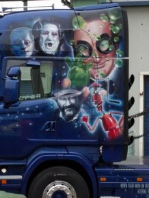 Airbrushed Truck Shows Off The Many Faces Of Robin Williams