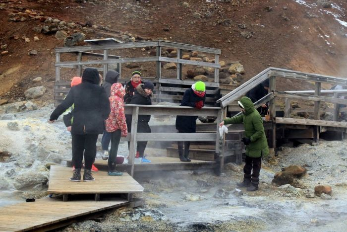 People In Iceland Use Sulfur Springs To Paint Easter Eggs