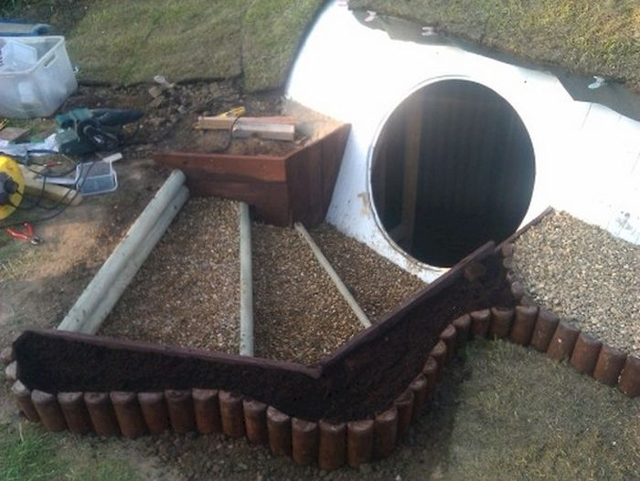 Man Builds Custom Hobbit Hole In His Own Backyard