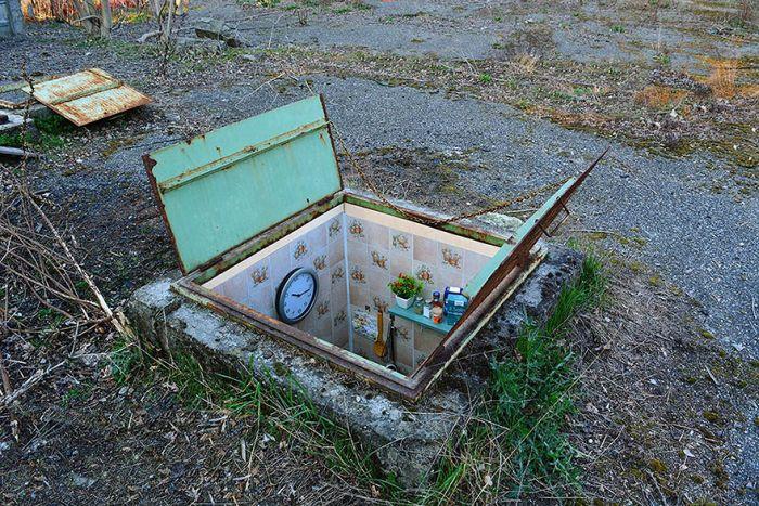 Artist Creates Secret Rooms In Abandoned Manholes In Milan